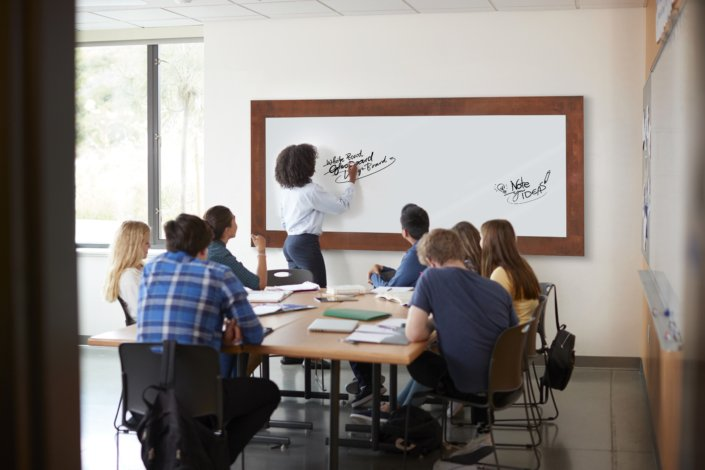 Individuelle Whiteboards für kreative Schulungsräume by BoardManufaktur