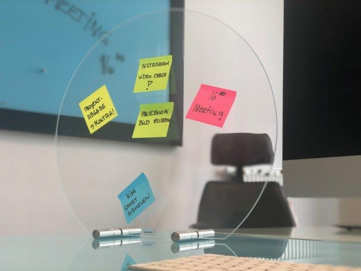 Spuckschutz für Schreibtisch_Office_Meetingraum