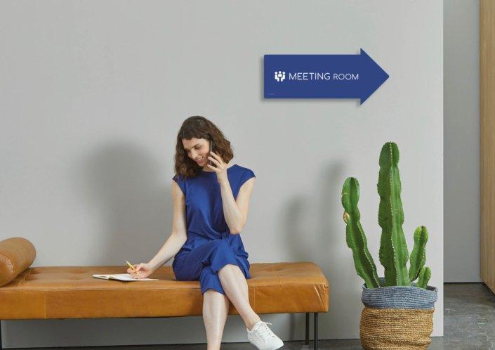 Individuelle Bürogestaltung - Design_Indoor_Beschilderung_mit Logo_BoardManufaktur